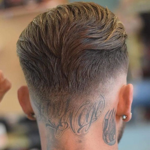 tunsori-bărbătești-în-2019-haircut-the-barber-slicked-back-01